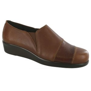 women's brown slip on shoe