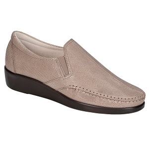 women's comfort slip on shoe
