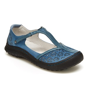 women's adventure outdoor shoe in blue
